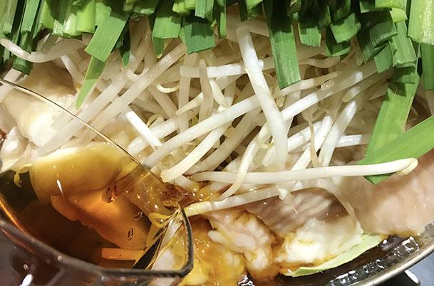 すき焼きvsもつ鍋