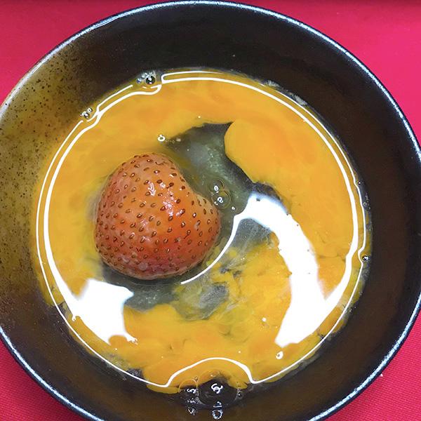フルーツすき焼き_イチゴ